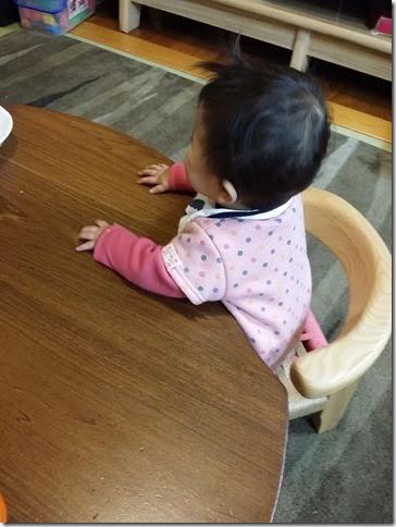 unnamed 子供座った様子(1歳半)